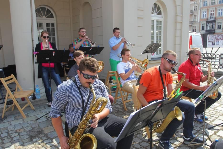 Swingująca Starówka: Jazzowe granie na Starym Rynku w Poznaniu