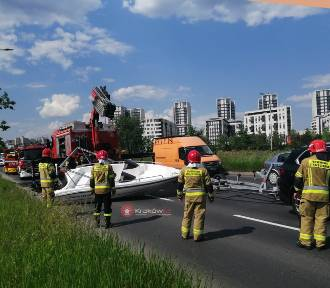 Nietypowy wypadek z udziałem... łodzi w Krakowie