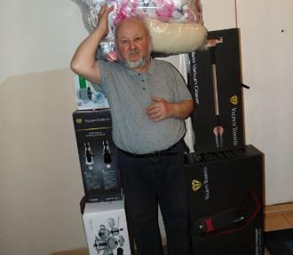 Nabrali emeryta na pokazie. Myślał, że wygrał nagrodę, a musi zapłacić prawie 10 tys. złotych!