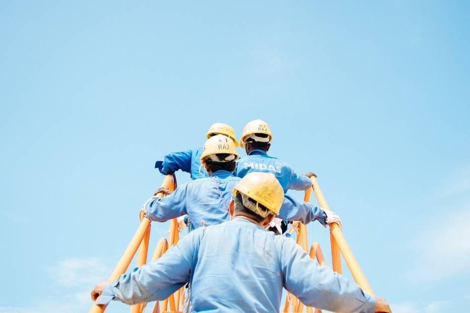 Najbardziej oblegani pracownicy nie muszą na własną rękę poszukiwać zatrudnienia, pracodawcy sami przychodzą do nich z propozycjami