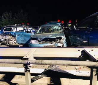Karambol na S1 w Jaworznie. Jedna osoba nie żyje, są ranni