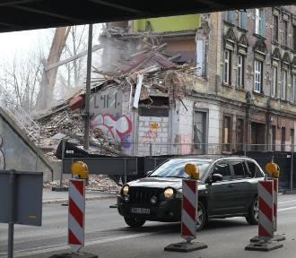 Bytom: Rozbiórka na Chorzowskiej zakończona. Przywrócono ruch samochodowy