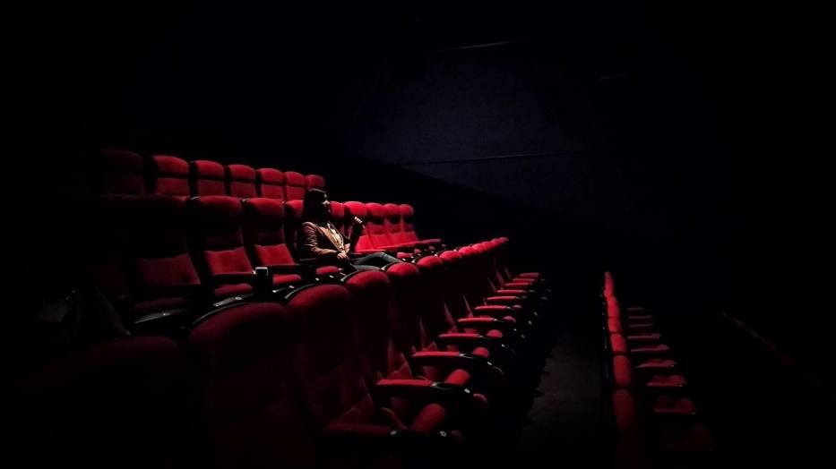 Kino studyjneMasz ochotę na kino? Popularne multipleksy omijaj szerokim łukiem