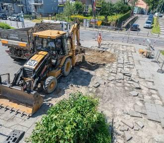 """Zamknięty parking na """"Słoneczku"""" przy ul. Nawojowskiej. Trwa remont [ZDJĘCIA]"""