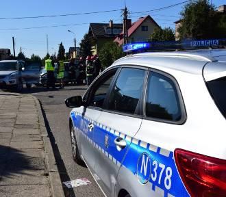 Wypadek w Pucku (wrzesień 2018). Stłuczka na równorzędnym skrzyżowaniu ulicy Jaśminowej z Głogową.