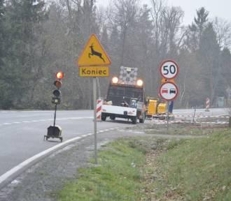 Prace drogowe trwają w Gościszewie, można tam napotkać utrudnienia w ruchu [ZDJĘCIA]