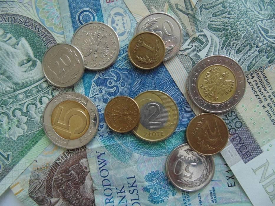 Płaca minimalna co roku stanowi efekt ustaleń członków Rady Dialogu Społecznego, w skład której wchodzą przedstawiciele biznesu, rządu i związków zawodowych