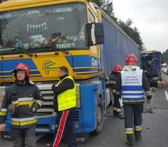 Wypadek w Kobiórze. Zderzyły się dwa tiry