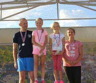 """Trzecia edycja projektu  """"Aktywna Plaża – Family Run – biegowe mini – sztafety dla rodzin"""" za nami"""