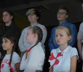 Malbork. Konkurs pieśni patriotycznych w Szkole Podstawowej nr 9. Trzy utwory uczniowie wybierali