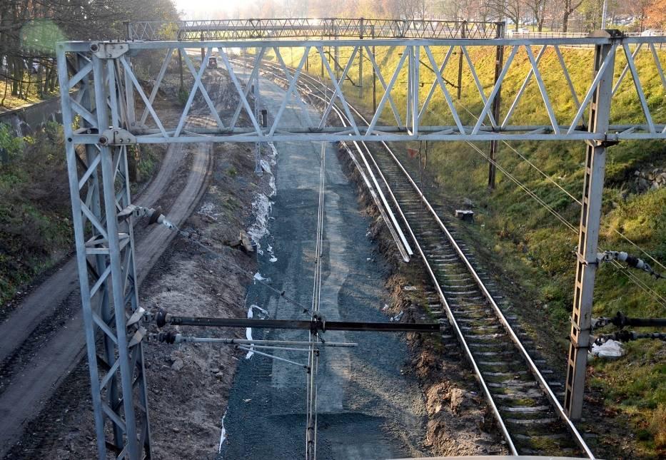 Dłuższy remont linii kolejowej do Grodziska. Ruch na tory wróci dopiero w październiku