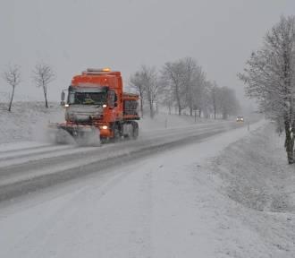 Policjanci ostrzegają przed możliwością wystąpienia trudnych warunków na drogach