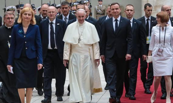 """Papież Franciszek na Wawelu. """"Patrzcie z nadzieją w przyszłość"""" [ZDJĘCIA]"""