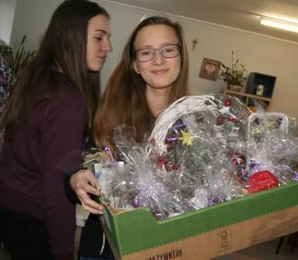 Zbąszyńscy gimnazjaliści pomagają Madzi i Ninie