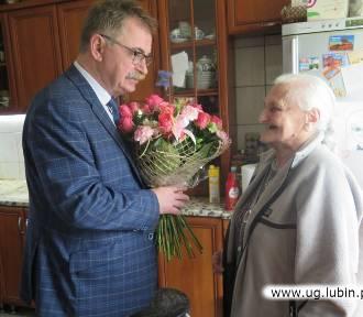 Świętowała 90-te urodziny wśród najbliższych! [ZDJĘCIA]