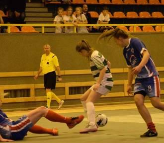 Olimpico wygrało Mikołajowy Turniej Piłki Nożnej Kobiet w Malborku [ZDJĘCIA]