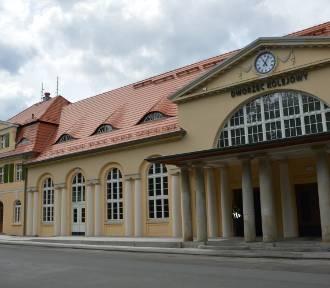 Dworzec po remoncie służy nie tylko podróżnym.