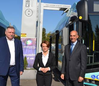 Jaworzno: minister Emilewicz w PKM. Rozmowy o elektromobilności ZDJĘCIA
