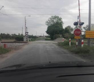 Do końca listopada będzie zamknięty przejazd w Kąkolewicach