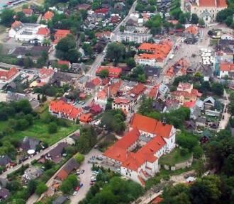 Kazimierz Dolny uchwalił budżet na 2019 rok. Główny cel - remont dzwonnicy
