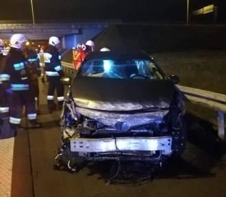Wypadek na A4 pod Wrocławiem. Cztery osoby ranne, tym dwoje dzieci [ZDJĘCIA]