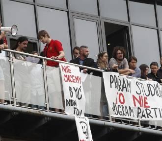 Protest studentów przeciw reformie Gowina