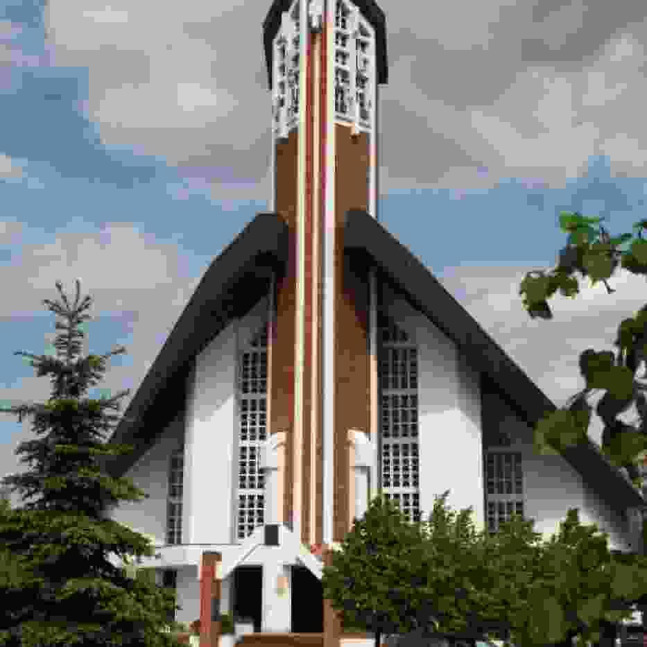 Kościół parafialny pw. Ducha Świętego, ul. Staszica 38