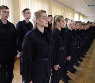 Ślubowanie 43 nowych policjantów z regionu [zdjęcia]