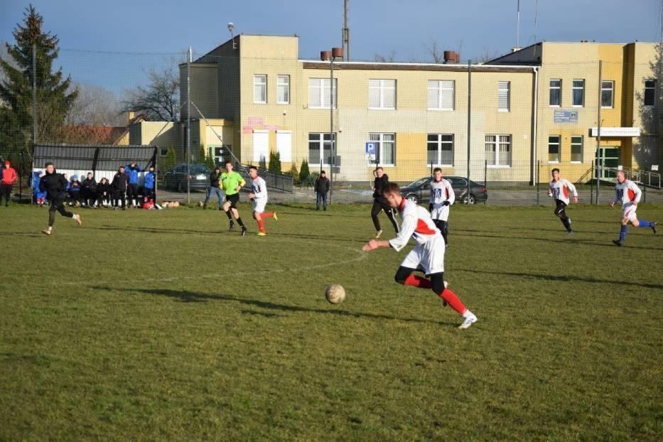 Drużyny ostatnio spotkały się na boisku w Prabutach 1 sierpnia 2020 roku - zwycięsko z tego spotkania wyszły Żuławy, które dzięki wygranej 5:0 wróciły do domu z trzema punktami