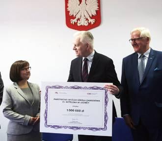 Jarosław Gowin przywiózł milion złotych dla legnickiej uczelni [ZDJĘCIA]