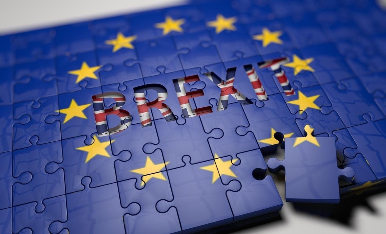 Ze względu na niepewną sytuacja polityczna za granicą np. Brexit
