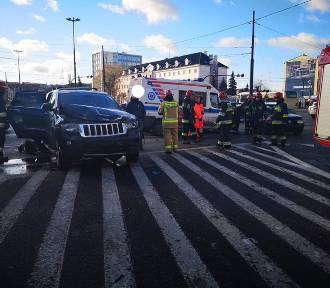 Wypadek na rondzie Jagiellonów w Bydgoszczy [zdjęcia]