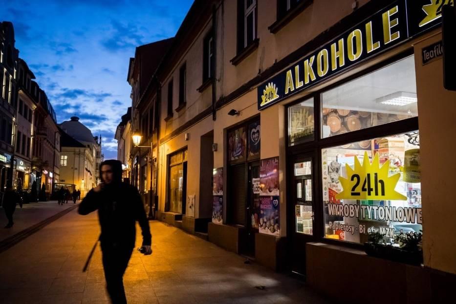 - Możemy zatem powiedzieć, że wprowadzenie podatku spełniło swoje założenia i odnotowujemy spadki w sprzedaży alkoholu w małych pojemnościach- mówi ekspertka