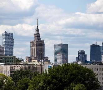 Jak żyje się w Warszawie? Stolica ponownie wśród 100. najlepszych miast na świecie. Wyprzedzamy