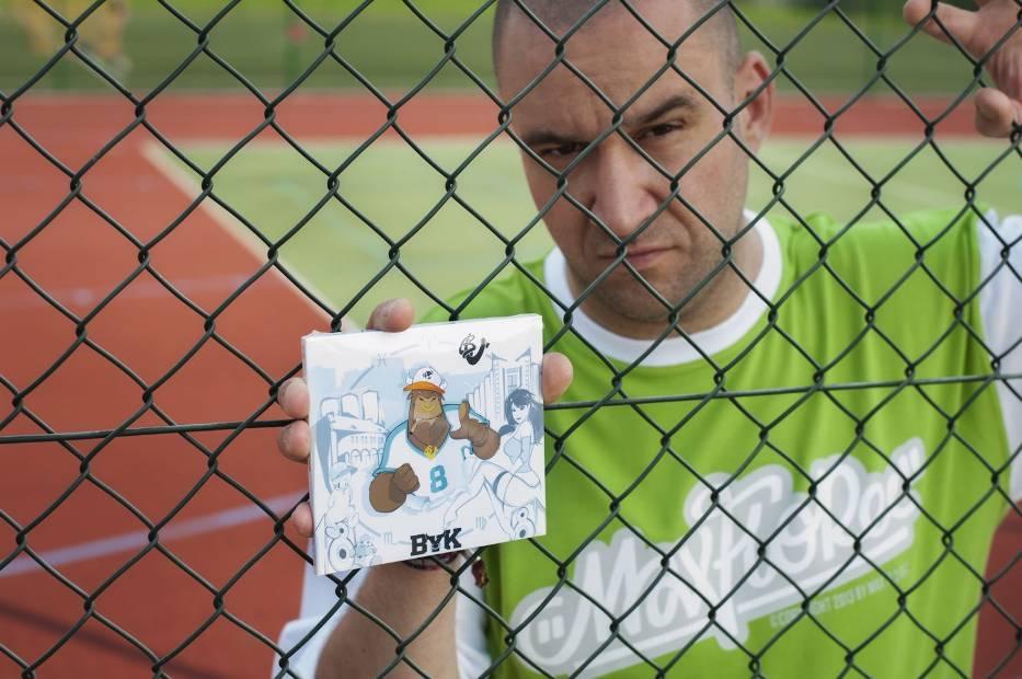 BU, związany z Rahimem i Fokusem od czasów PFK, kolejnym ujawnionym gościem na nowej płycie Pokahontaz
