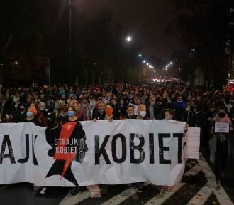 Protest kobiet przed domem Jarosława Kaczyńskiego. Demonstracje w całym kraju