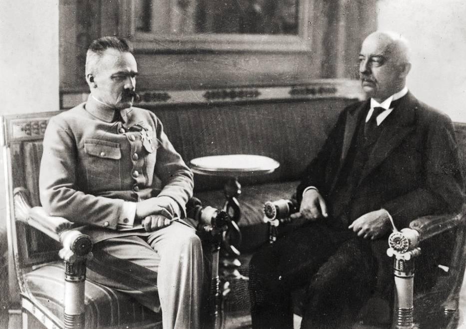 <center>Gabriel Narutowicz i Józef Piłsudski w Warszawie, 1922</center>