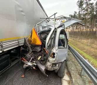 Tragiczny wypadek na S5. Pracownik służby drogowej zmarł w szpitalu