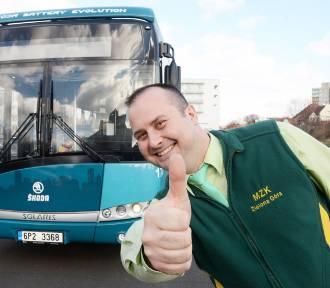 Zmiany w MZK. Będą elektryczne autobusy i darmowy przejazd. Dla kogo? [ZDJĘCIA, WIDEO]