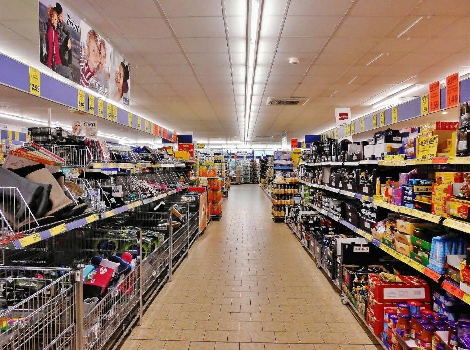 Gdzie najtaniej zrobić zakupy? Porównujemy najpopularniejsze sklepy
