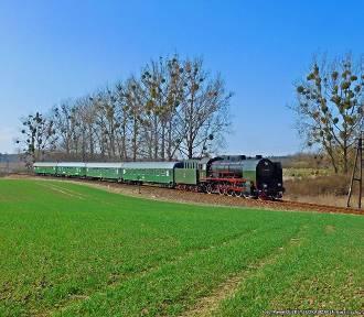 Linia kolejowa nr 207 Malbork-Grudziądz jest zamknięta, ale pociągi nią jeżdżą