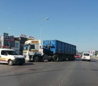 Tarnów. Zderzenie motocyklisty z ciężarówką