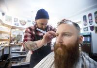 Barber Shop na Kazimierzu. Tu kr?luj? faceci [ZDJ?CIA]
