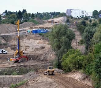 Budowa Nowej Bulońskiej w okolicach Kartuskiej i Myśliwskiej [zdjęcia]