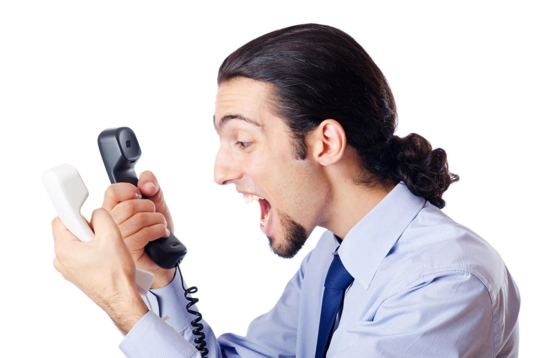 Niektórzy na niechciane telefony reagują bardzo nerwowo