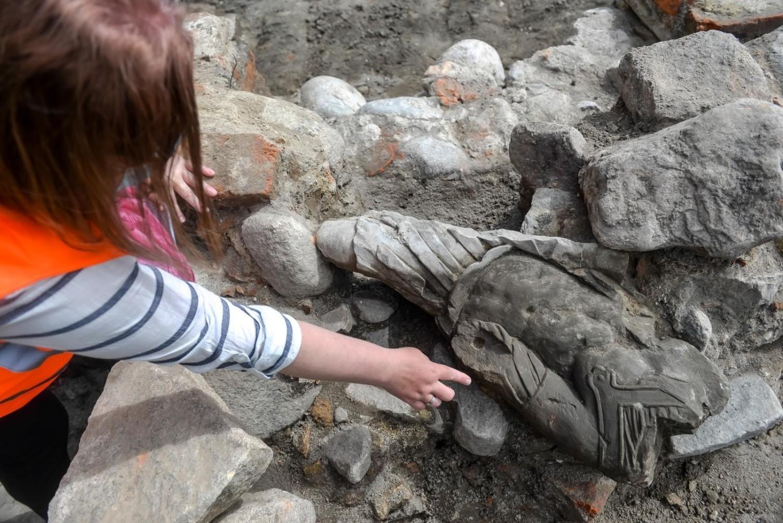 Barokowa rzeźba znaleziona w Gdańsku w starych fundamentach