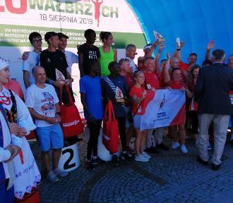 XX Toyota Półmaraton Wałbrzych - dekoracja i losowanie nagród [ZDJĘCIA]