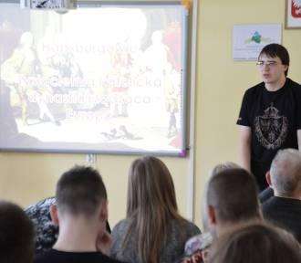 Bełchatów: Mickiewicz wspiera czytelnictwo razem z Marcinem Kulą
