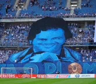 Lech - Legia: Zobacz zdjęcia kontrowersyjnej oprawy i kibiców