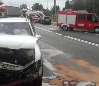 Wypadek na DK78 w Porębie. Jedna osoba ranna ZDJĘCIA